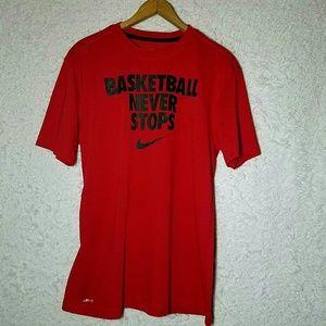 Nike Shirts - Nike tee